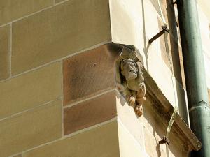 Figur an der Nikolaikirche